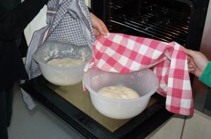 Mädchengruppe-Kochen