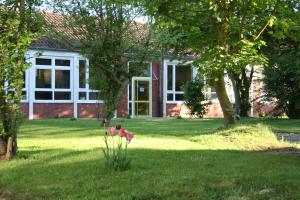 Innenhof-Frühling-Oberschule-Borssum-5